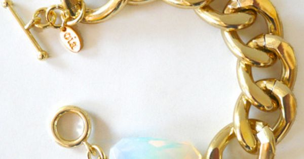Gold Chain Bracelet with Moonstone Crystal