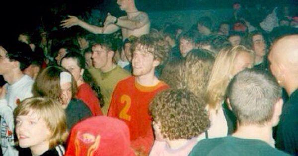 Rave acid house hacienda 1980 tal pinterest acid for Acid house raves 1980s