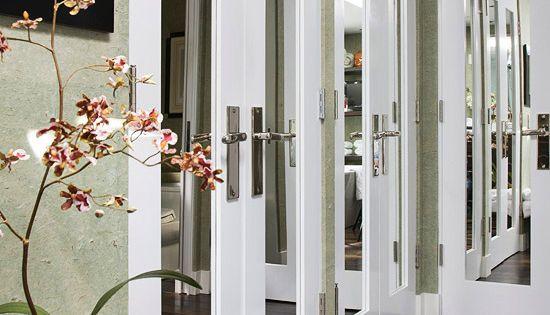 Freshen your bedroom with low cost updates puertas for Puerta 19 benito villamarin
