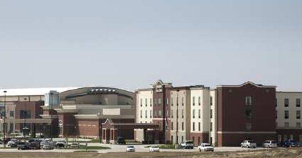 Vista Host Manages The Hampton Inn Dodge City Ks Dodge City Hampton Inn City