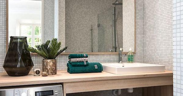 Salles de bain d couvrez des salles de bain qui poss de for Hauteur d un miroir de salle de bain