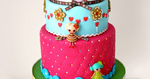Lalaloopsy Birthday Cake, that's cute! Good idea Chanell for maycees next Cake