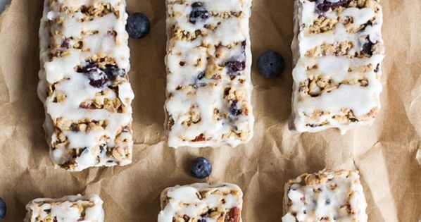 Blueberry Bars | Easy, chewy, healthy snack, low calorie & no bake