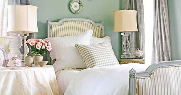 Bedroom Decorating Ideas What To Hang Over The Bed: Bedroom Decorating Ideas: 10 Things To Hang Above The Bed
