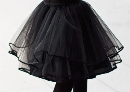 Tutu skirt. Love that this is still chic. Definitely need a certain