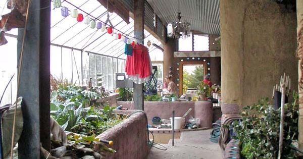 A beautiful garden atrium an earthship home underground for Atrium garden window