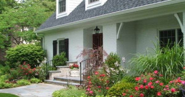 Landscaping ideas for small yards small front yard for Front yard renovation ideas