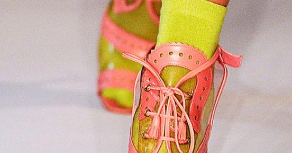 :: Oscar de la Renta ::...would probably not wear, but such a