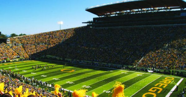 It Never Rains At Autzen Autzen Stadium University Of Oregon Oregon Ducks University Of Oregon Autzen Stadium