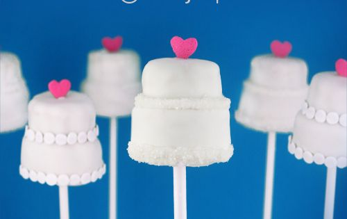 wedding cake pops - bridal shower ideas