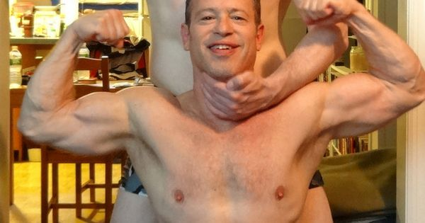 Gay Muscle Profiles 36