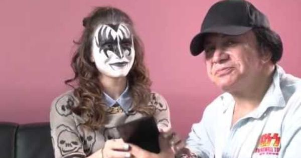 Cosme Haul Kiss Makeup How To With Gene Simmons And Daughter