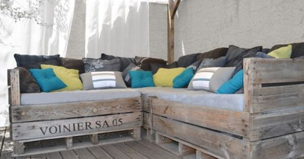 Fauteuil en bois de palettes recycl es pour jardin ou for Banquette palette exterieure
