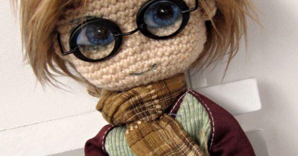 Amigurumi Glasses : Amigurumi crochet boy doll wearing glasses. (Inspiration ...