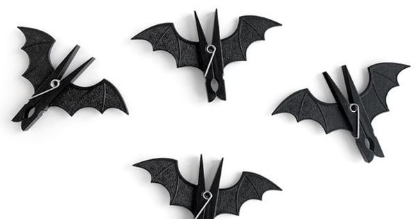 Bat pegs! Perfect for a Halloween decoration. Can be easily done by