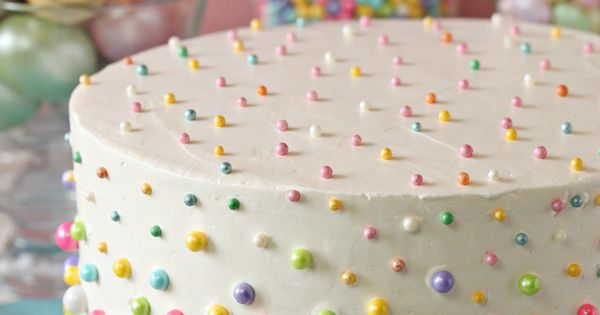 how to decorate a wedding cake with fresh fruit simple baby shower cakes anyone can make polka dot cakes 15671