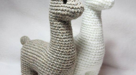Crochet Llama Amigurumi Pattern : Crochet Pattern: Llama Amigurumi Plush Punti, Fantasie e ...