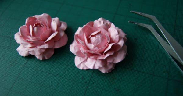 أشغال يدوية طريقة مبتكرة جداااااااااااا لعمل وردات من الورق أو الفوم أو الجلد Paper Flower Tutorial Flower Diy Crafts Foam Flowers