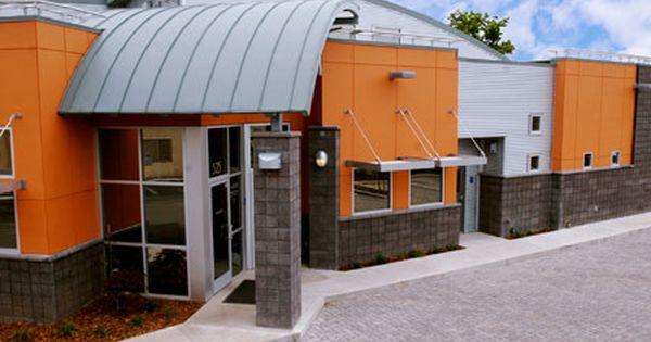 2013 Veterinary Economics Hospital Design People S Choice Award Winner Melrose Animal Clinic Hospital Design Hospital Design Pet Clinic Veterinary Hospital