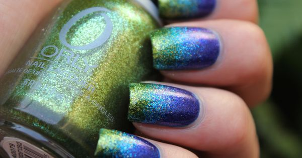 blue green gradient manicure with glitter nail polish