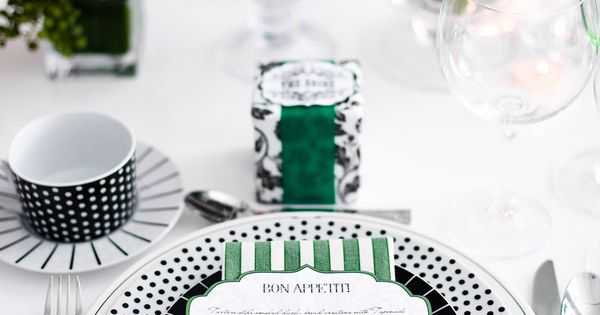 place setting POLKA dots