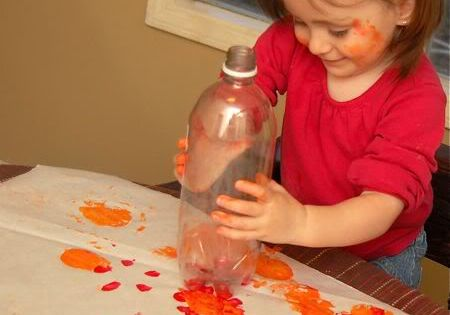 toddler craft - soda bottle paint flowers