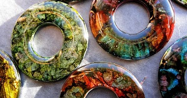 washer jewelry: drop on alcohol inks; coat with ice resin