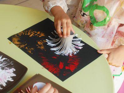 Réaliser Avec Les Enfants Un Feu D Artifice En Peinture