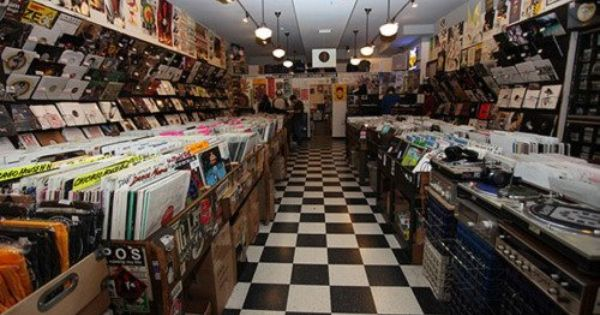 Photos Dj Duo Ties The Knot In Amazing Record Store Wedding Record Store Vinyl Store Empire Records