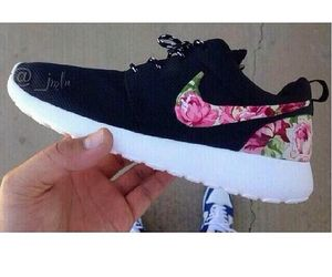 shoes, nike running shoes, floral shoes, nike roshes floral