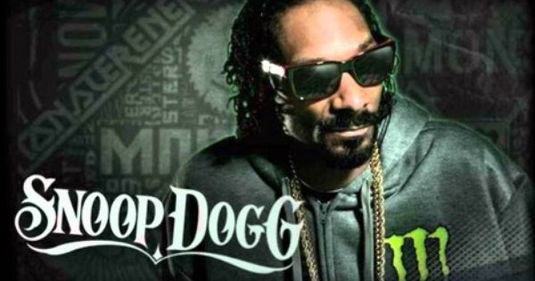 Snoop Dogg sits on Iron Throne of 'Game of Thrones' and