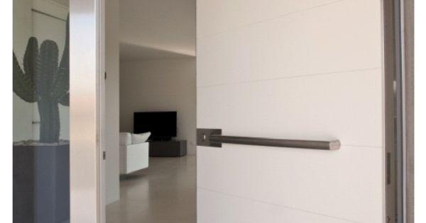 porte a bilico blindate Dal 1897 azienda leader nella produzione di chiusure di sicurezza: porte da garage o persiane e grate di sicurezza, porte e portoni sezionali, serrande industriali e molto altro.