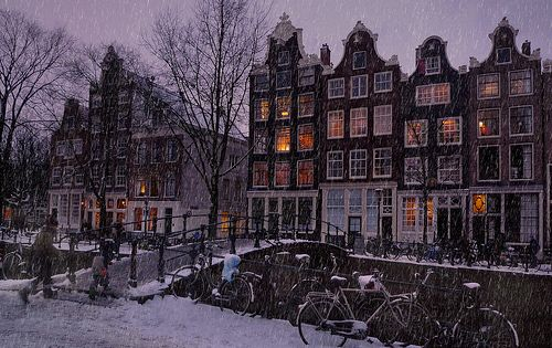 Amsterdam - looks like a Christmas card.....
