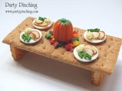 cute thanksgiving dessert, thanksgiving snack for kids, turkey table, graham cracker thanksgiving