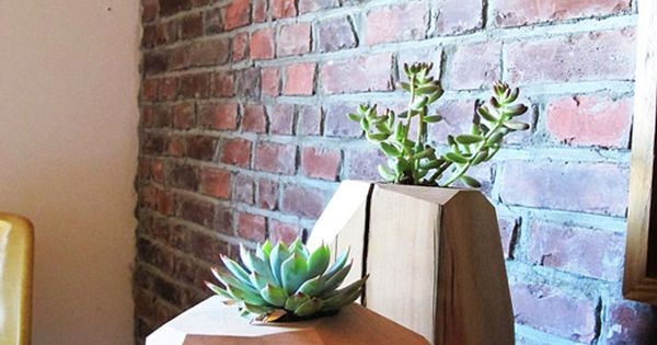 Multifaceted wood planter LARGE Wall-mount