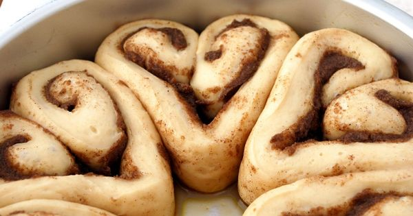 Heart Cinnamon Rolls for your sweetie! Super cute! Maybe not so healthy,