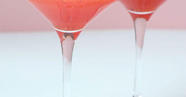 Strawberry Shortcake Martini ice and a cocktail shaker 1/2 oz amaretto liqueur