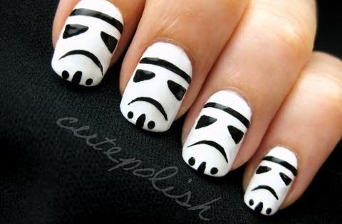Are you a Star Wars fan, try out these Storm Trooper nail