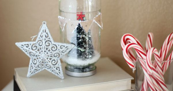 Love these DIY water less snow globes! Use a recycled spaghetti jar,