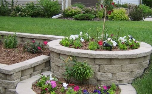 backyard landscaping design ideas tiered landscape patio blocks and landscaping ideas. Black Bedroom Furniture Sets. Home Design Ideas