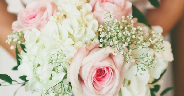 I am simply in love with this pink and white Illinois wedding! The photos from Cassandra Photo are absolutely gorgeous, and every single one of the details in t