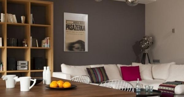 ideen wohnzimmer streichen grau wei es sofa holz b cherregal wandfarbe pinterest wei e. Black Bedroom Furniture Sets. Home Design Ideas