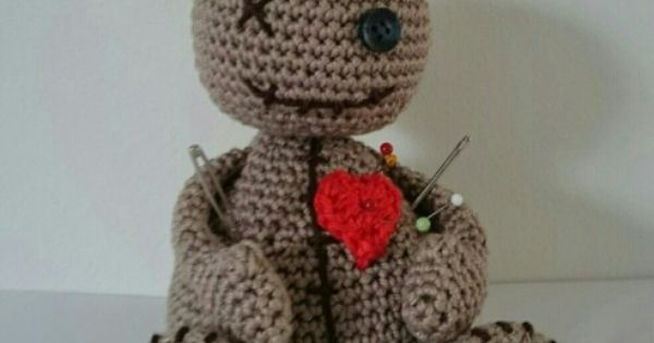 Knitting Pattern Voodoo Doll : http://www.ravelry.com/patterns/library/voodoo-doll-pin-cushion-2 Things I ...