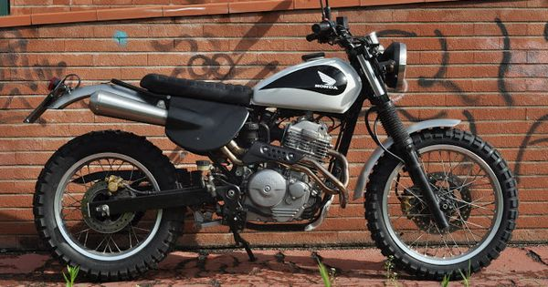 side plate inspiration honda slr 650 scrambler found on. Black Bedroom Furniture Sets. Home Design Ideas