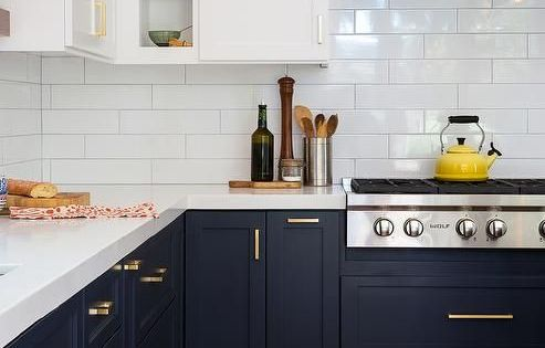 Have you considered using blue for your kitchen cabinetry  부엌 아이디어 ...