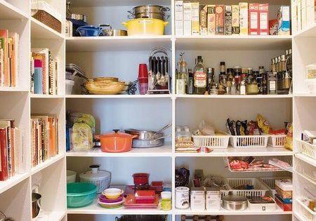 Ideas para organizar despensas trasteros y armarios - Estanterias para despensas ...