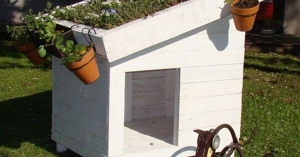 Cucha para perros de pallets con techo verde kan - Jardin para perros ...