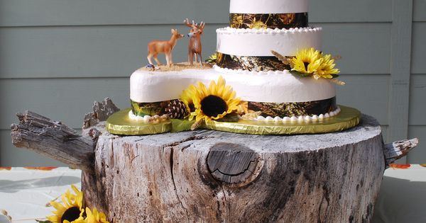 slab wedding cake camo wedding cake with sunflowers and rustic wood slab 20189