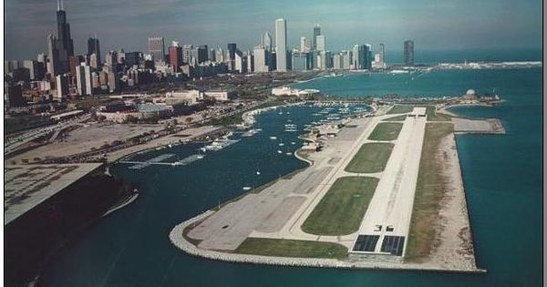 Meigs Field Chicago Oh This Makes Me Sooo Mad I Loved Coming In Here An Hour Flight South Of Grb How Can Island Park Travel Dreams Airport City