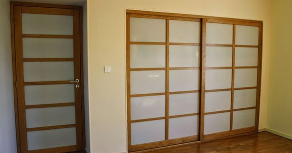 porte coulissante de placard et porte de passage en style japonisante cloison japonaise. Black Bedroom Furniture Sets. Home Design Ideas